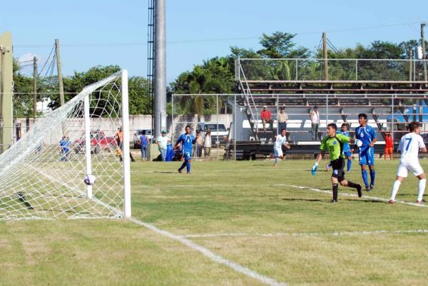 Belice 2013 - Campeonato Centroamericano Sub16. Thumbnail.php?file=Gol_Brandon_de_Leon_609579368
